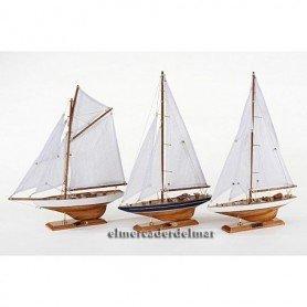 Maqueta de barco velero de madera