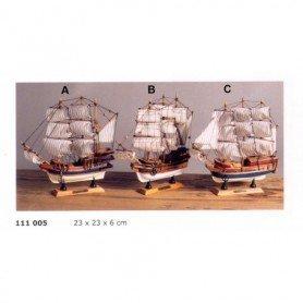 Maqueta de barco velero galeón
