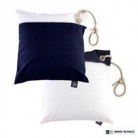 Cojín náutico cuadrado impermeable Negro Marine Business (2 uds.) en decoracionmar.com para decoración náutica y marinera
