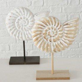 Figura caracola de mar de madera